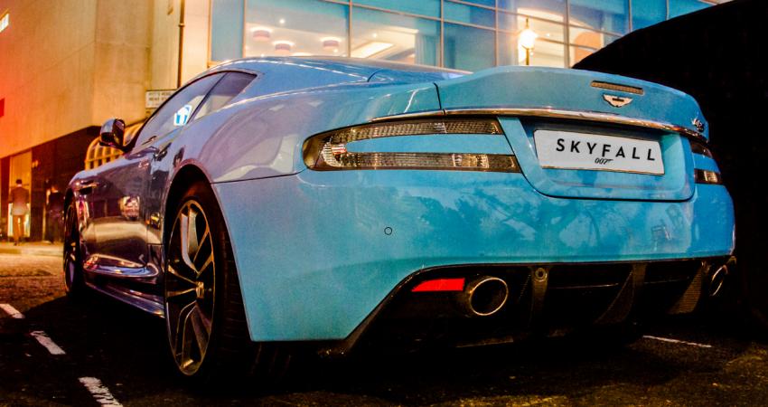 Samochody Jamesa Bonda w większości filmów to klasyki brytyjskiej motoryzacji. Na zdjęciu Aston Martin. zdjęcie: wikimedia.org/CC BY-SA 2.0